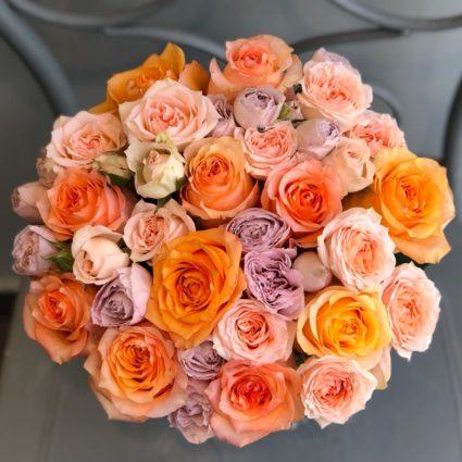 Теплые цвета и медовая гамма. Букет из 21 розы