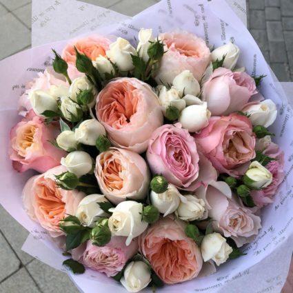 Ароматный букет оставит приятные воспоминания о себе. 19 роз
