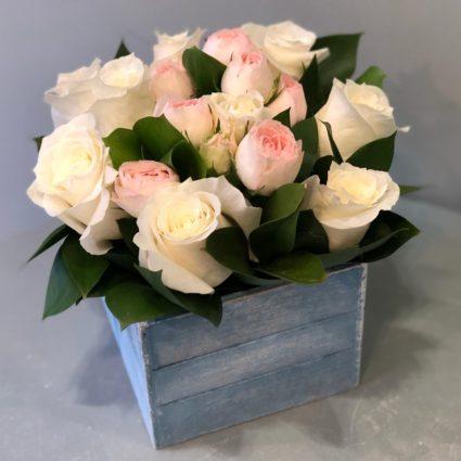 Изящный подарок, деревянный ящичек. 11 роз