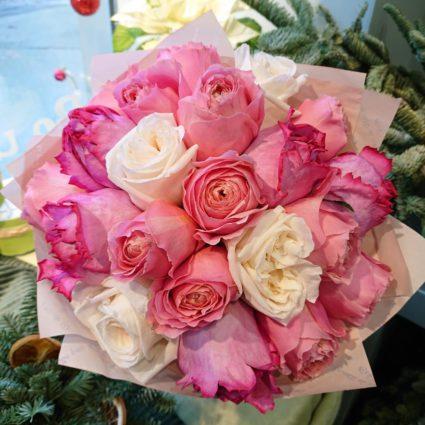 Пионовидное разнообразие. букет из 21 розы