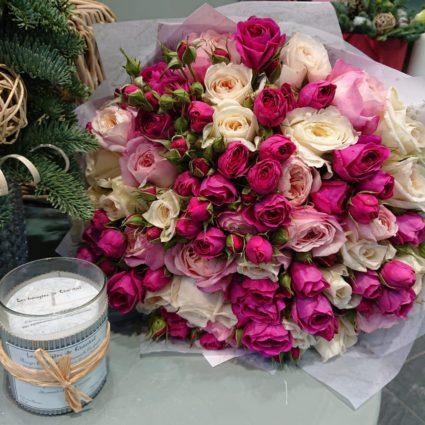 Букет из 35 роз с добавлением декора