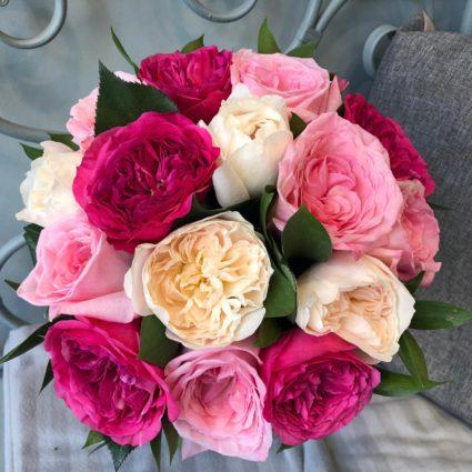 15 английских роз в ягодных оттенках